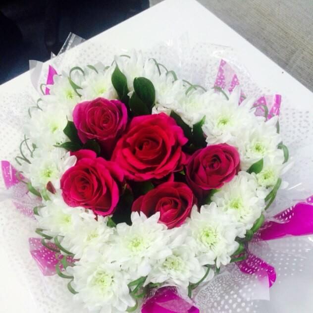 Стильная композиция из роз