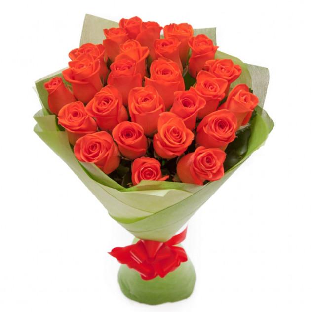 Букет из 25 оранжевых роз в фетре